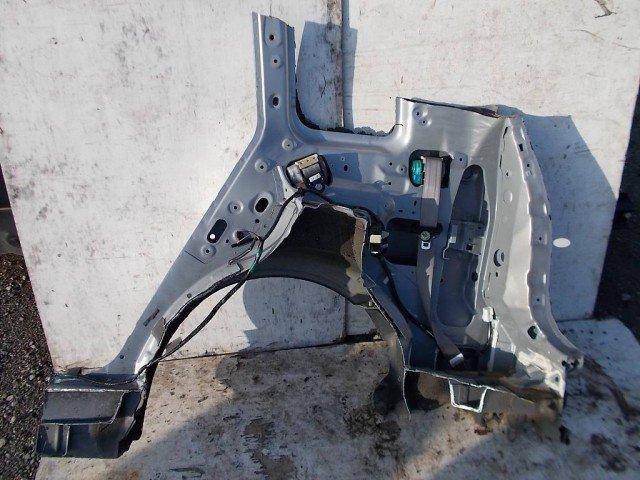 Правое заднее крыло(железо) MAZDA PREMACY G CP8W